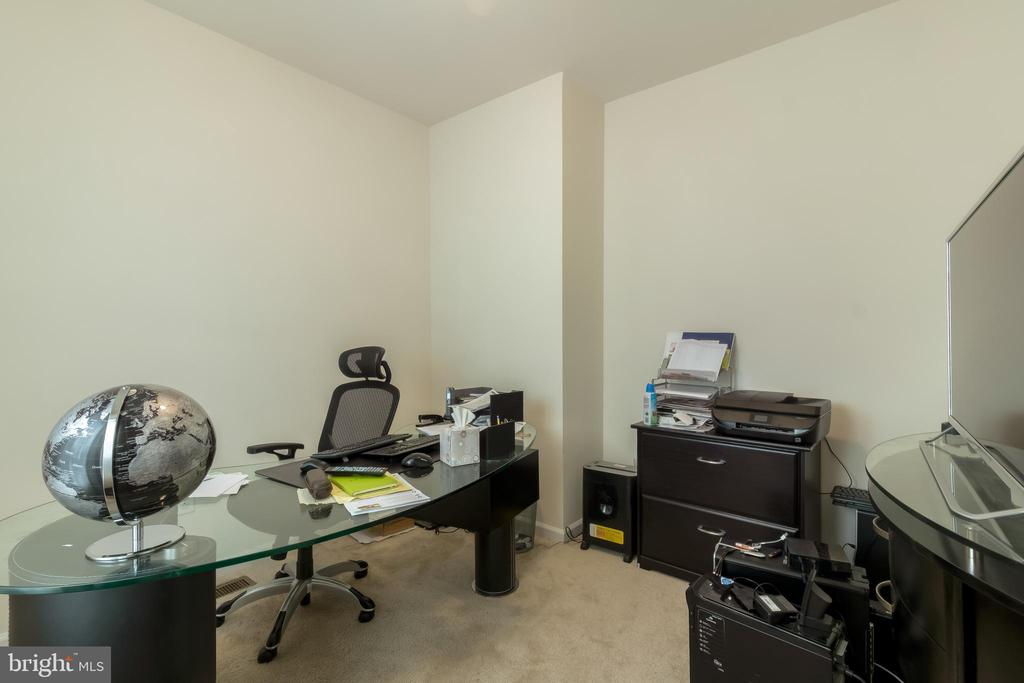 Office/Bedroom4 - 14605 PARKGATE DR, LAUREL