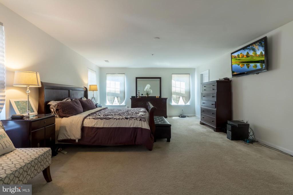 Master Bedroom - 14605 PARKGATE DR, LAUREL