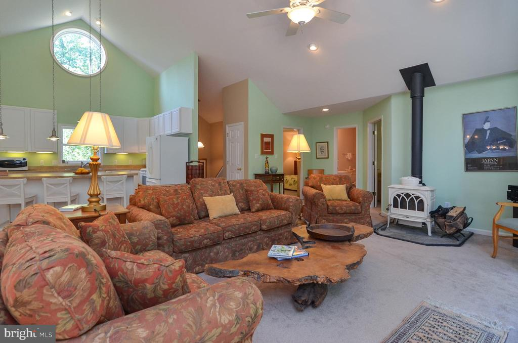 Another view of great room - 15012 DOVEY RD, SPOTSYLVANIA