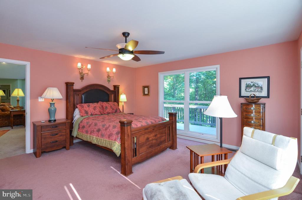 Back view of the Master Bedroom - 15012 DOVEY RD, SPOTSYLVANIA