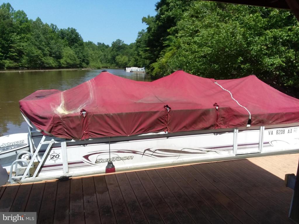 Boat slip big enough for Pontoon Boat - 15012 DOVEY RD, SPOTSYLVANIA