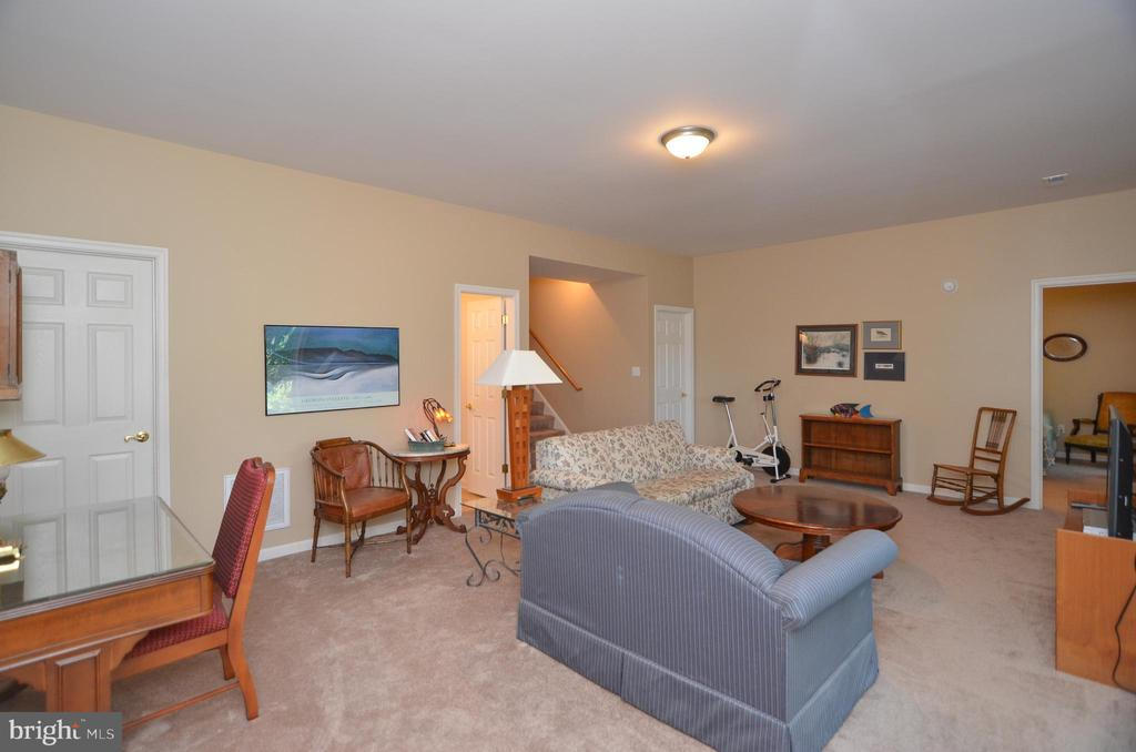 Another view of the family room - 15012 DOVEY RD, SPOTSYLVANIA