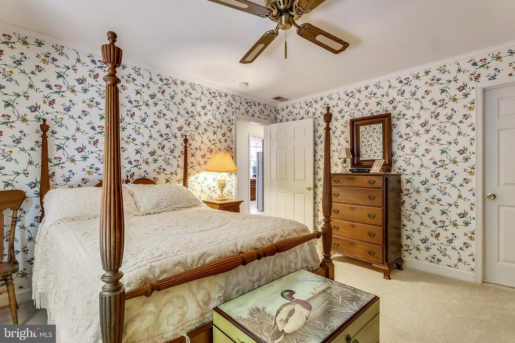 2nd Bedroom - 5916 HALLOWING DR, LORTON