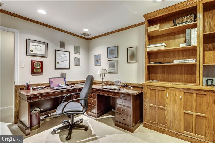 Home office with built-in  cabinets - 5916 HALLOWING DR, LORTON