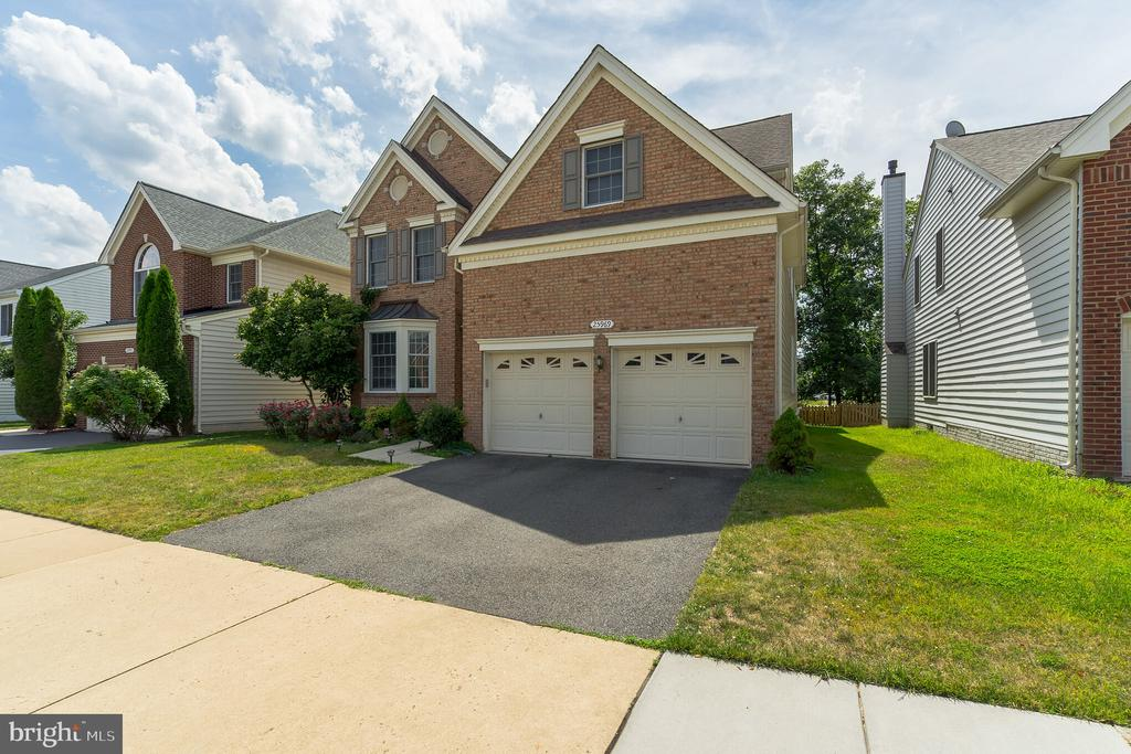 - 25969 DONOVAN DR, CHANTILLY