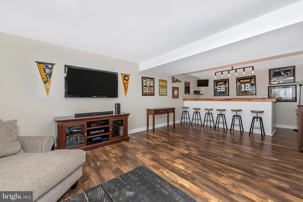 Family Room/Bar-Lower Level - 27 STONEY PARK WAY, THURMONT