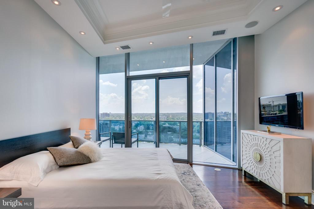Second Bedroom, Floor to ceiling Windows/Doors - 1881 N NASH ST #PH08, ARLINGTON