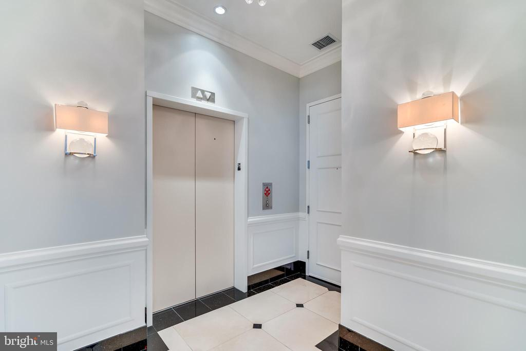 Private Elevator that opens into apartment - 1881 N NASH ST #PH08, ARLINGTON