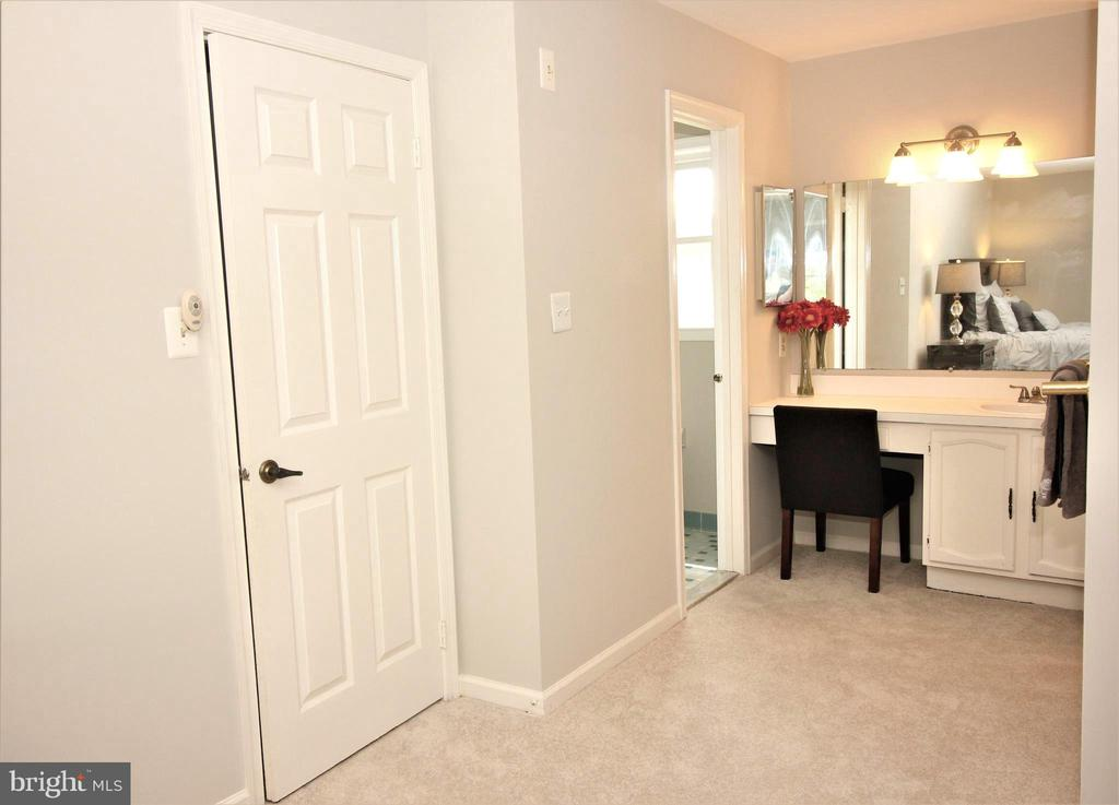 Private Master Bath - 1140 BANDY RUN RD, HERNDON