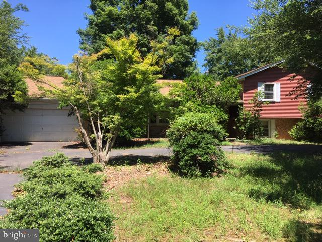 This split level was very well built-in 1973 - 12626 OXON RD, HERNDON
