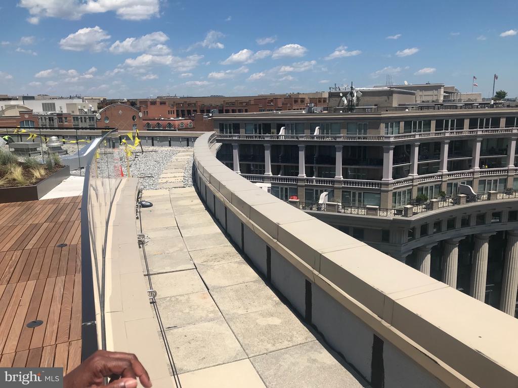 Rooftop serves up amazing views - 801 PENNSYLVANIA AVE NW #1207, WASHINGTON