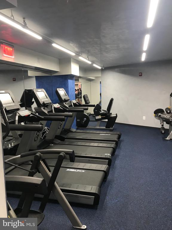 Extensive fitness center for residents only - 801 PENNSYLVANIA AVE NW #1207, WASHINGTON