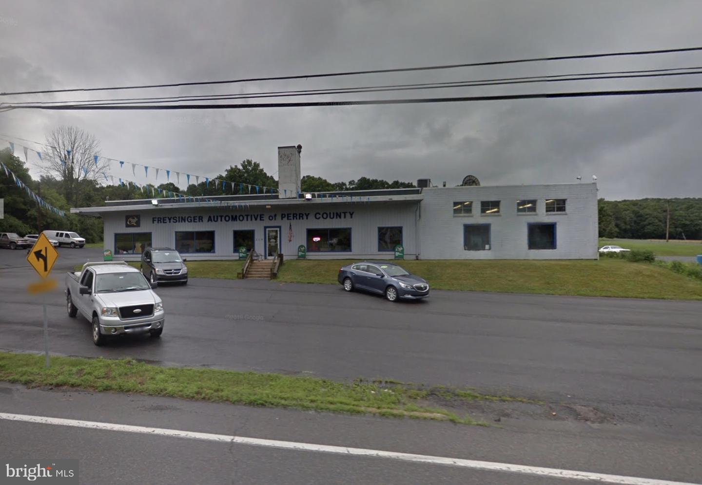 Retail for Sale at New Bloomfield, Pennsylvania 17068 United States