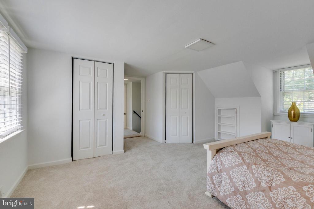 4th Bedroom - Upper Level - 2903 OAK KNOLL DR, FALLS CHURCH