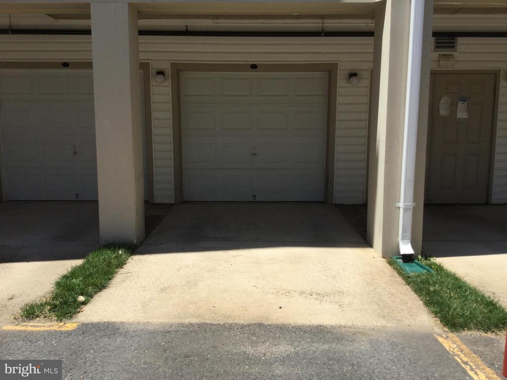 Garage - 11506 SPERRIN CIR #305, FAIRFAX