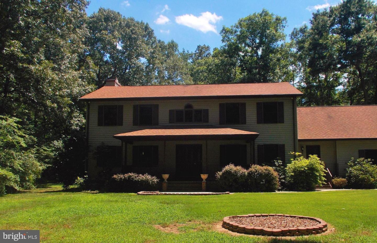 Single Family for Sale at 5870 Hallowing Point Rd Prince Frederick, Maryland 20678 United States
