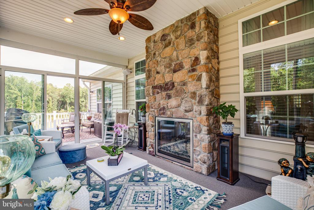 All season room with 2 sided fireplace ! - 20 GENEVIEVE CT, FREDERICKSBURG