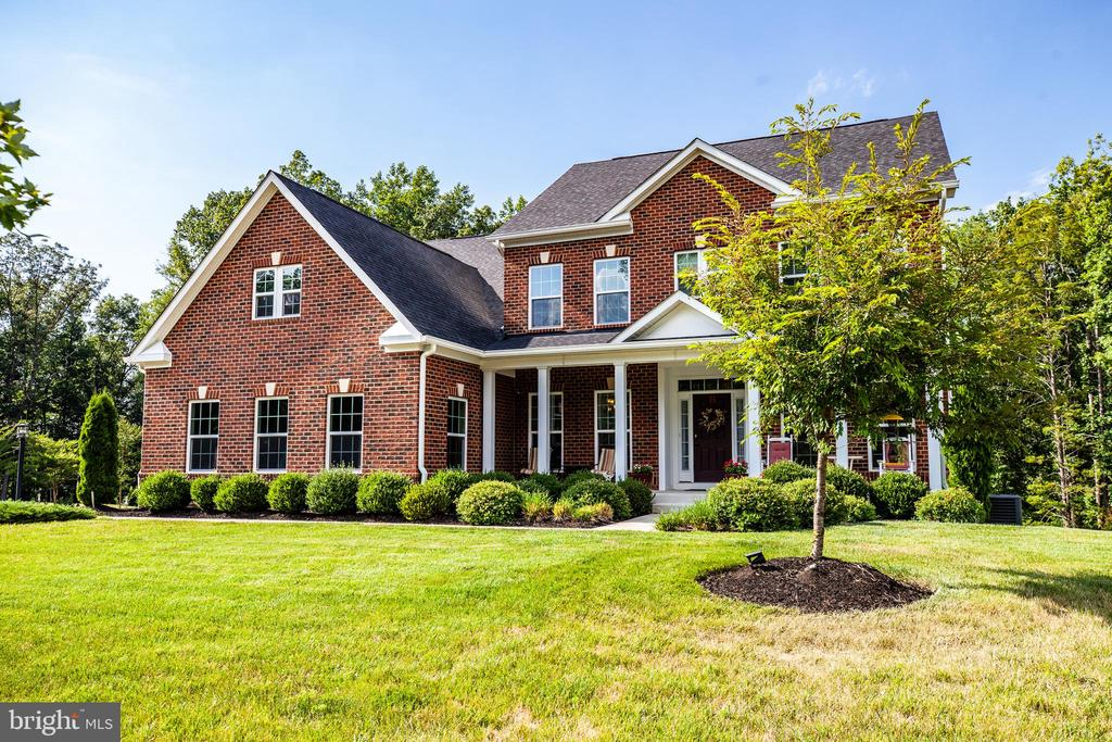 Custom built home on 3 acres backing to Abel Lake - 20 GENEVIEVE CT, FREDERICKSBURG