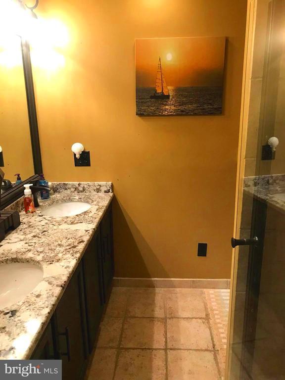 Granite counters~terazzo tile heated floors - 504 CREEK CROSSING LN, GLEN BURNIE