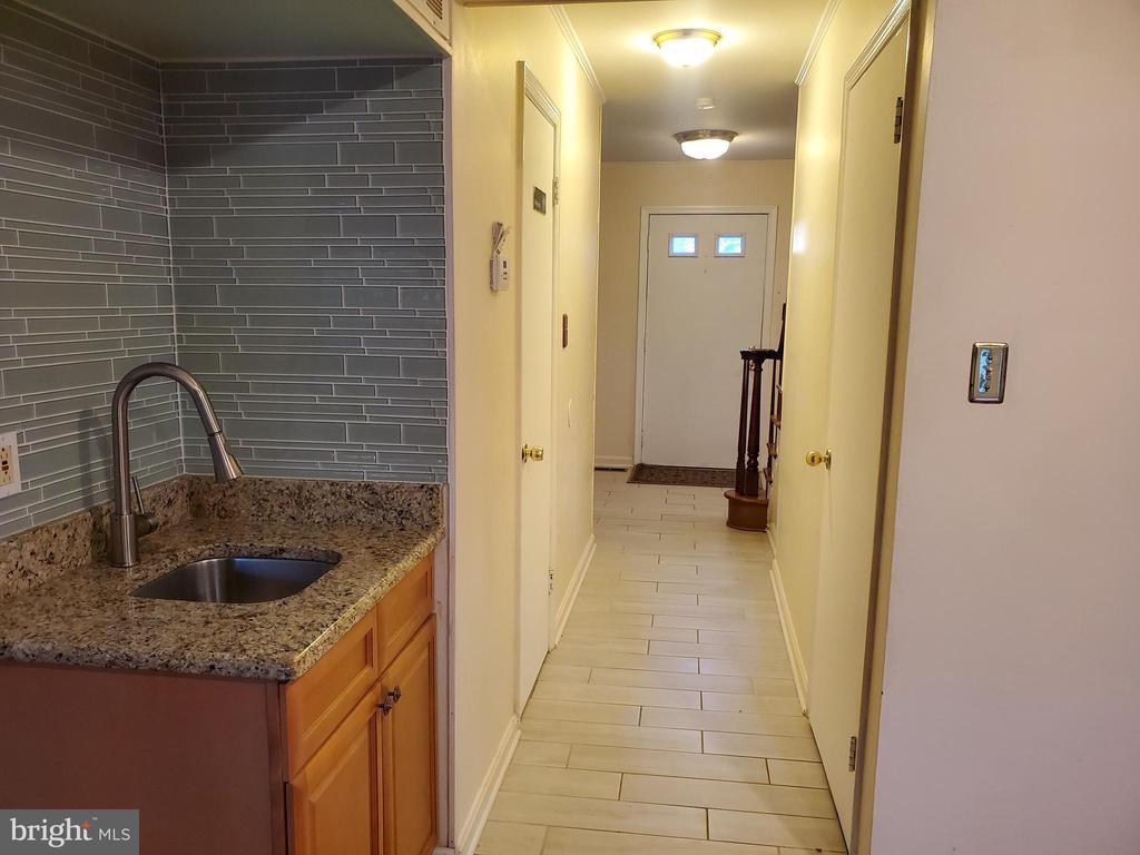 Hallway - 6018 WHEATON DR, BURKE