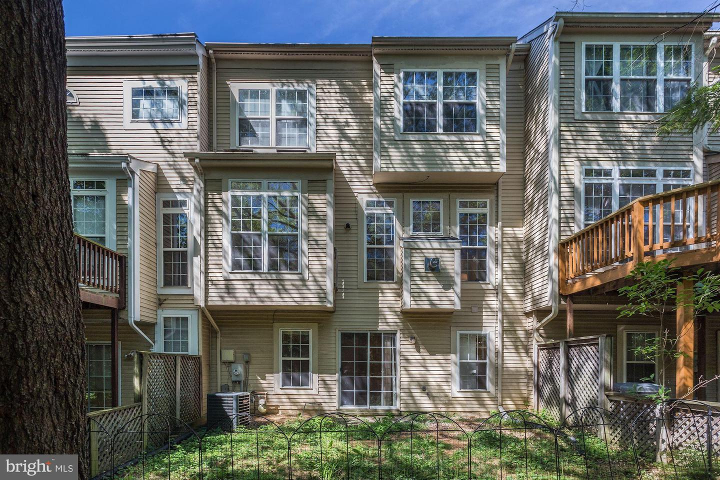 Additional photo for property listing at 5924 Halpine Rd Rockville, Maryland 20851 United States