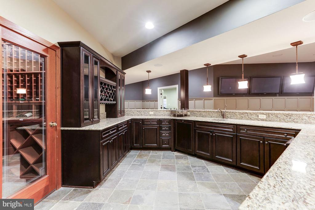 Wet Bar and Wine Closet - 9106 DARA LN, GREAT FALLS