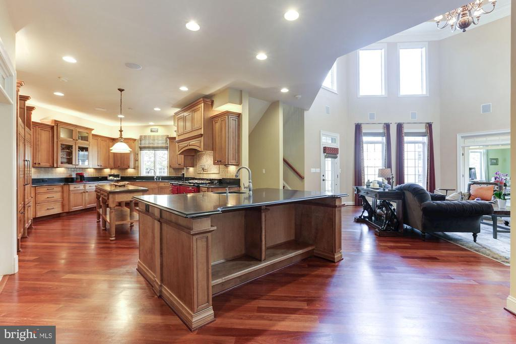 Gourmet Kitchen - Oversized Island - 9106 DARA LN, GREAT FALLS