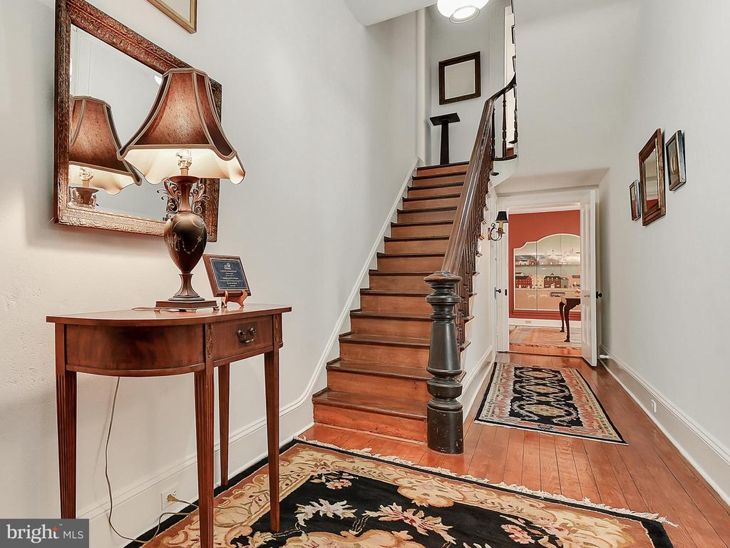 Original refinished newel post and handrails! - 121 W 2ND ST, FREDERICK