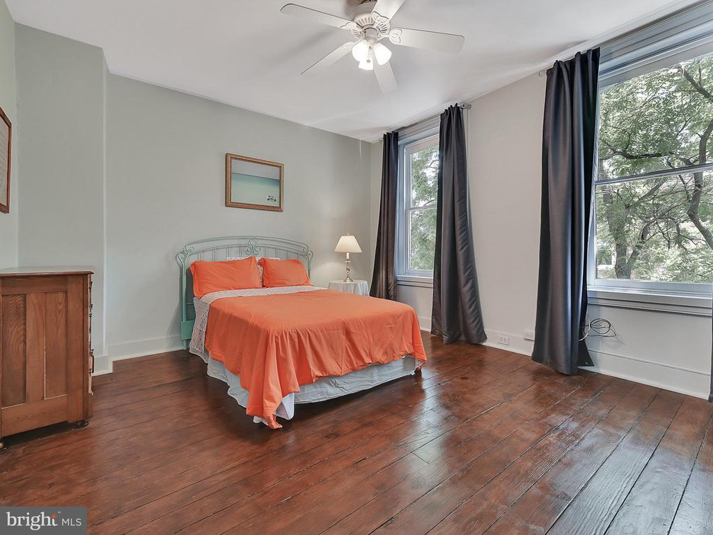 Third bedroom offers additional expansive windows! - 121 W 2ND ST, FREDERICK