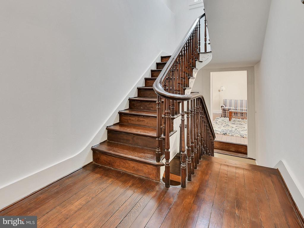 Gentle rise to third floor! - 121 W 2ND ST, FREDERICK