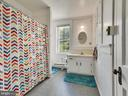 Spacious bath in apartment! - 121 W 2ND ST, FREDERICK