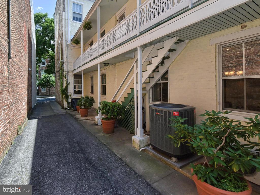 Driveway to expansive parking lot! - 121 W 2ND ST, FREDERICK