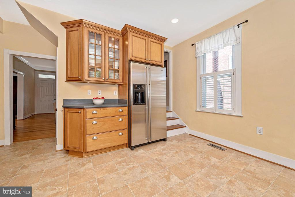Kitchen-Staircase to Upper level - 40 MAPLE AVE, WALKERSVILLE