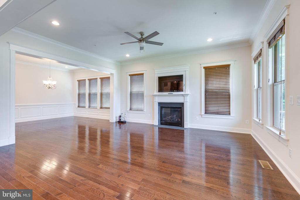 Great Room w/view into Dining Room - 2192 POTOMAC RIVER BLVD, DUMFRIES