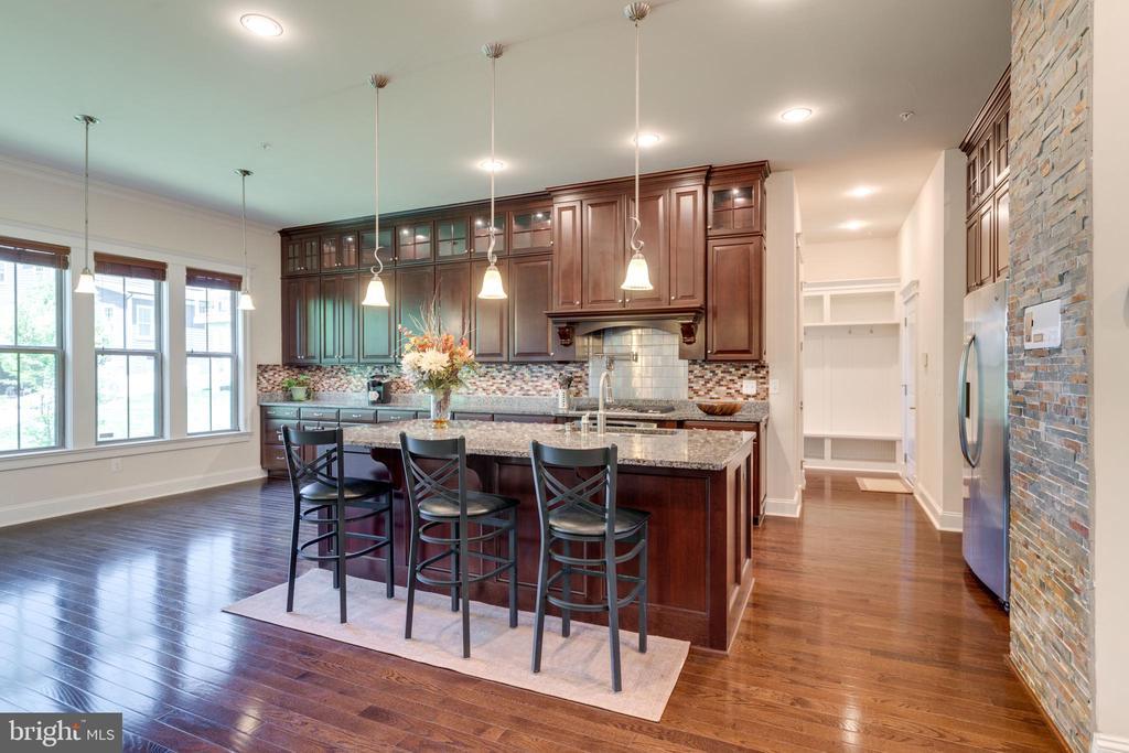 Kitchen, granite counters, hardwood flooring - 2192 POTOMAC RIVER BLVD, DUMFRIES