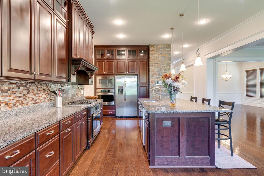 Kitchen, extensive cabinetry - 2192 POTOMAC RIVER BLVD, DUMFRIES
