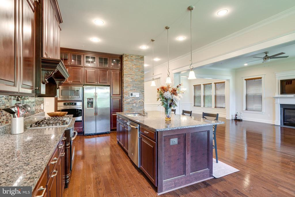 Kitchen, gas counter top cooking - 2192 POTOMAC RIVER BLVD, DUMFRIES