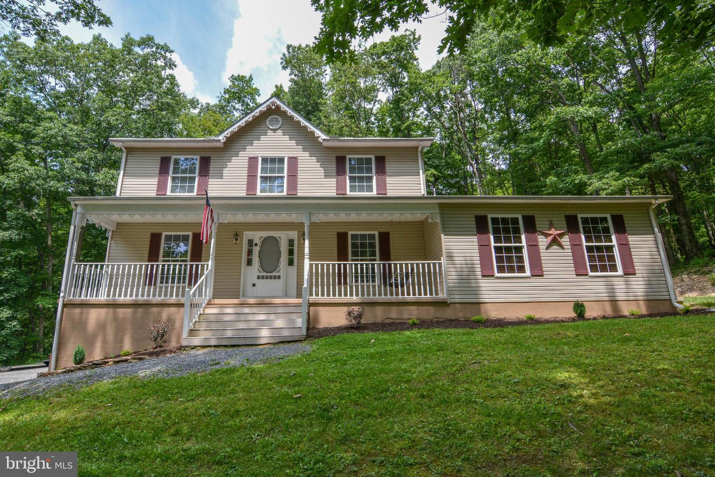Single Family for Sale at 614 Nicklaus Ave Oakland, Maryland 21550 United States