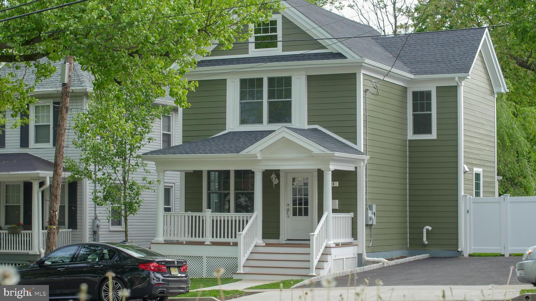 44 MOORE STREET  Princeton, New Jersey 08542 États-Unis