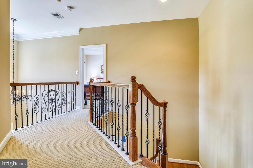 Upper Level-Hall - 4785 GRAND MASTERS WAY, WOODBRIDGE