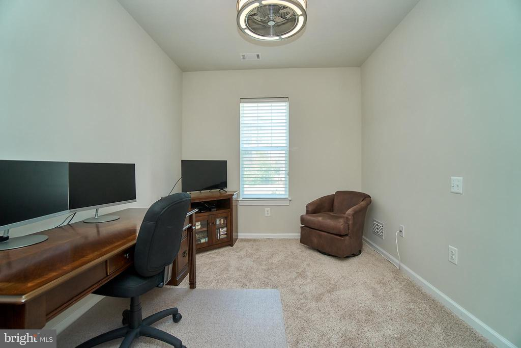 Perfect for working from home - 20630 HOPE SPRING TER #103, ASHBURN