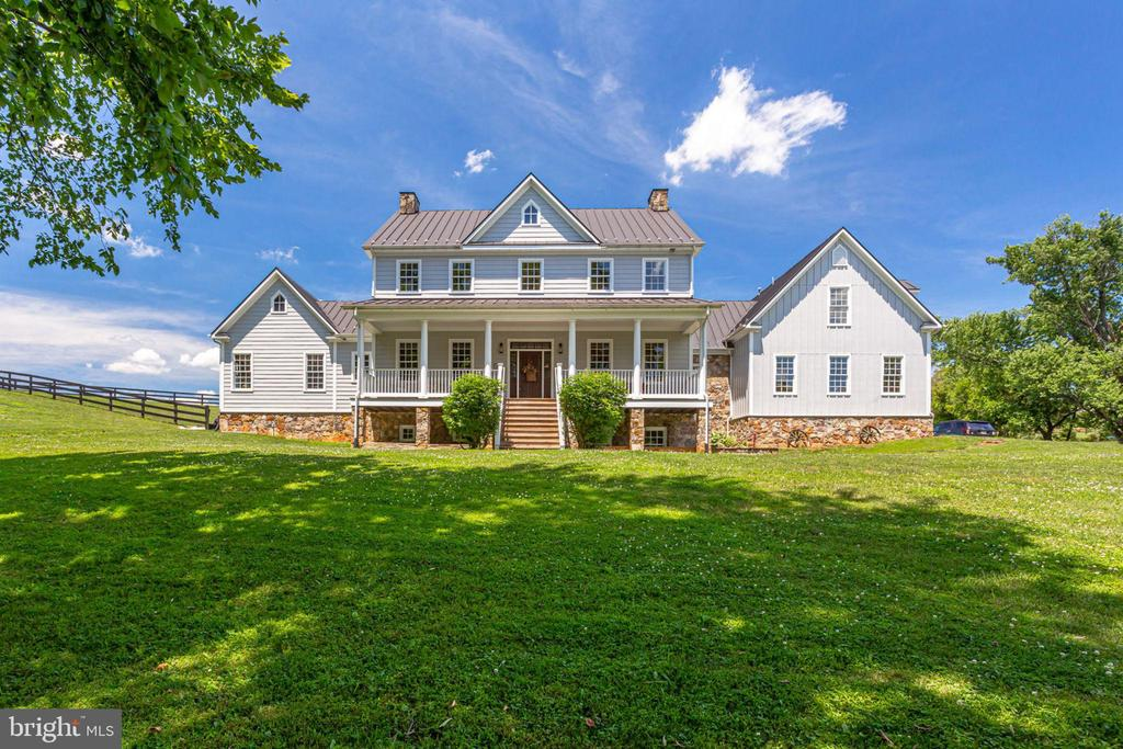Magnificent 3 Level 5 bed, 5,5 bath, 3-car garage - 15718 OLD WATERFORD RD, PAEONIAN SPRINGS