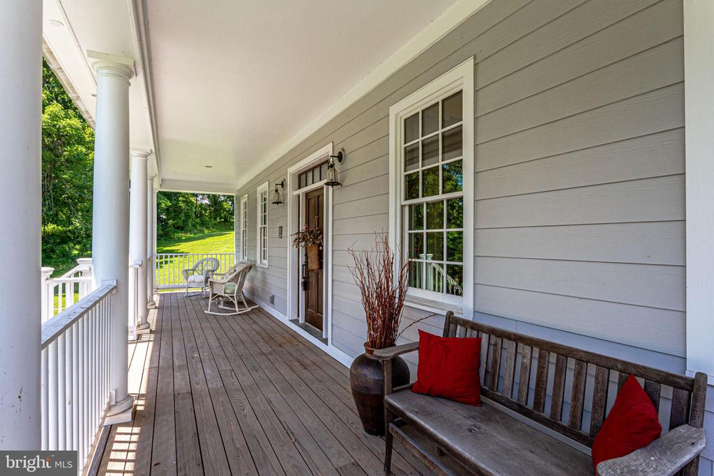 Front porch welcomes guests from afar - 15718 OLD WATERFORD RD, PAEONIAN SPRINGS