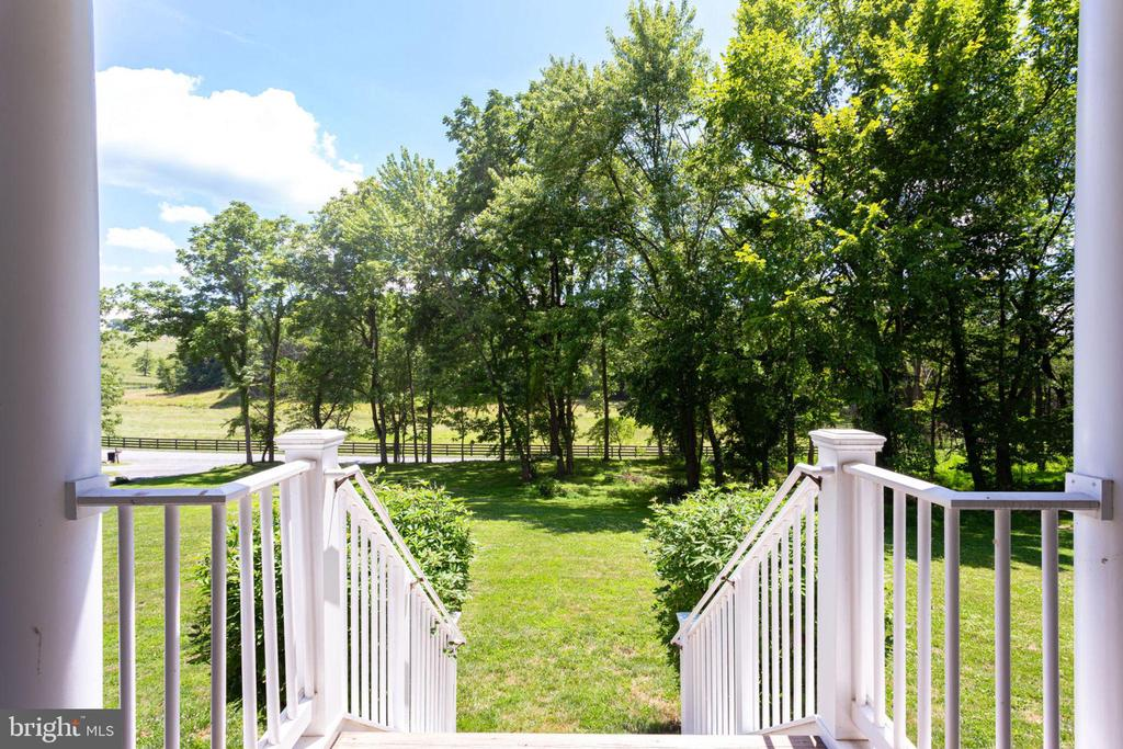 Gorgeous views or trees/wooded areas - 15718 OLD WATERFORD RD, PAEONIAN SPRINGS