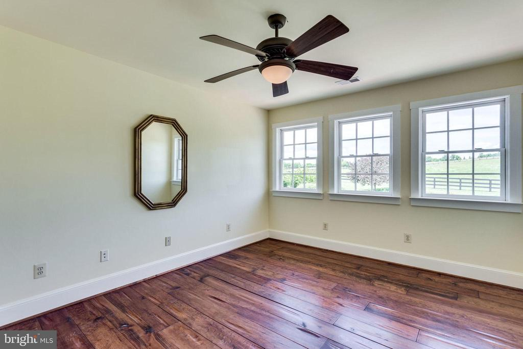 Bonus room on upper level - 15718 OLD WATERFORD RD, PAEONIAN SPRINGS