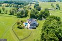 Exclusive private property in historic district - 15718 OLD WATERFORD RD, PAEONIAN SPRINGS