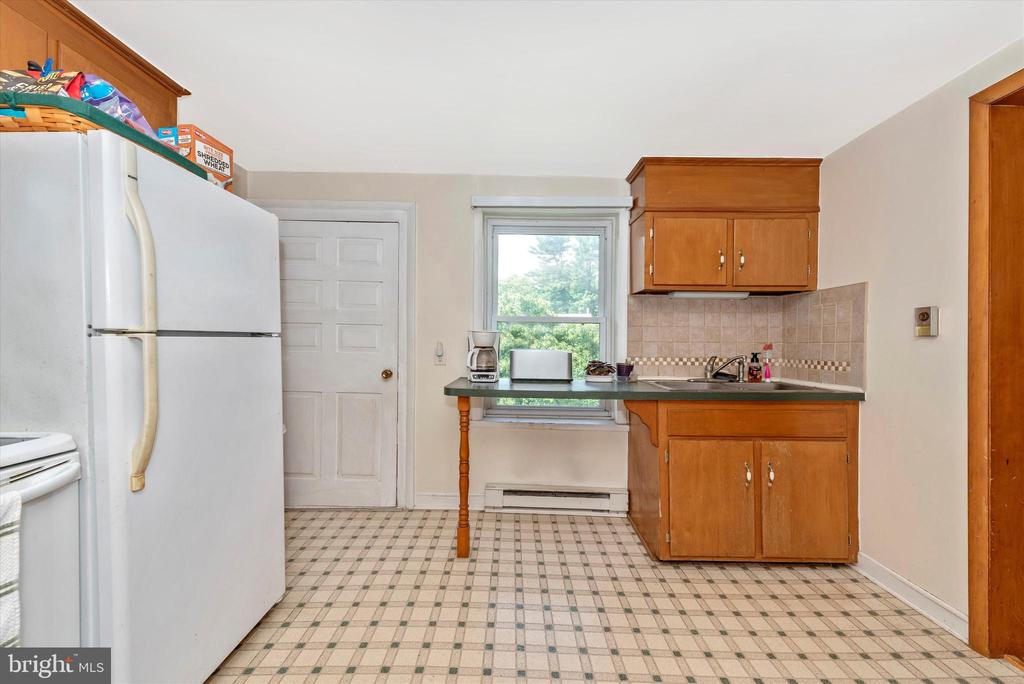 Kitchen - 2 WOLFSVILLE RD, MYERSVILLE