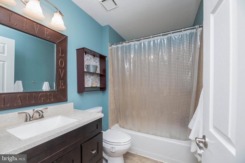 Hall Bath Updated - 5 WEXWOOD CT, STAFFORD