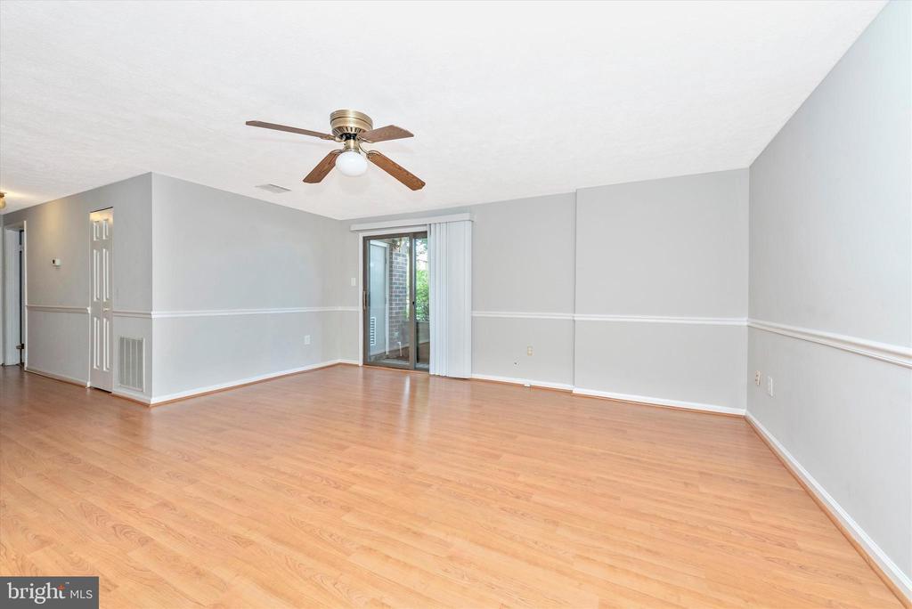 Living / Dining Room - 809-D STRATFORD WAY #1400D, FREDERICK