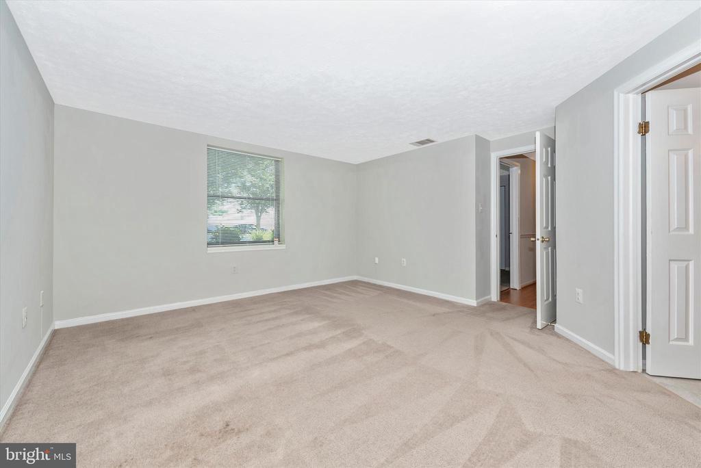 Master bedroom - Fresh carpet. - 809-D STRATFORD WAY #1400D, FREDERICK